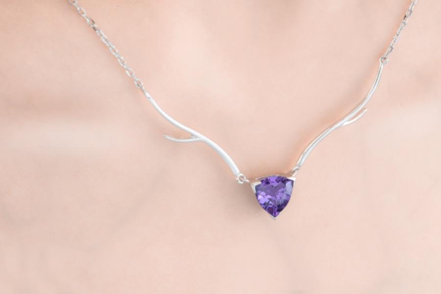 鹿娜紫晶款项链-佩戴-02