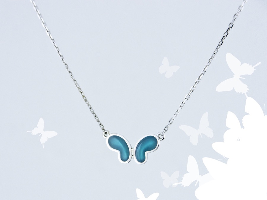 Alterfly -necklace2