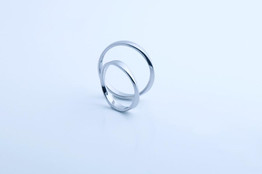 Mobius ring 185
