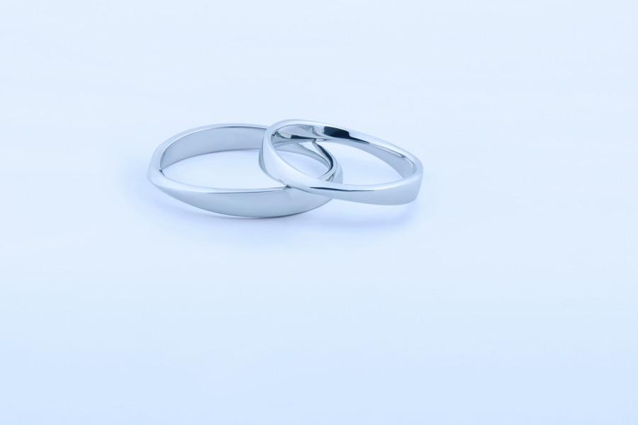 Mobius ring 195
