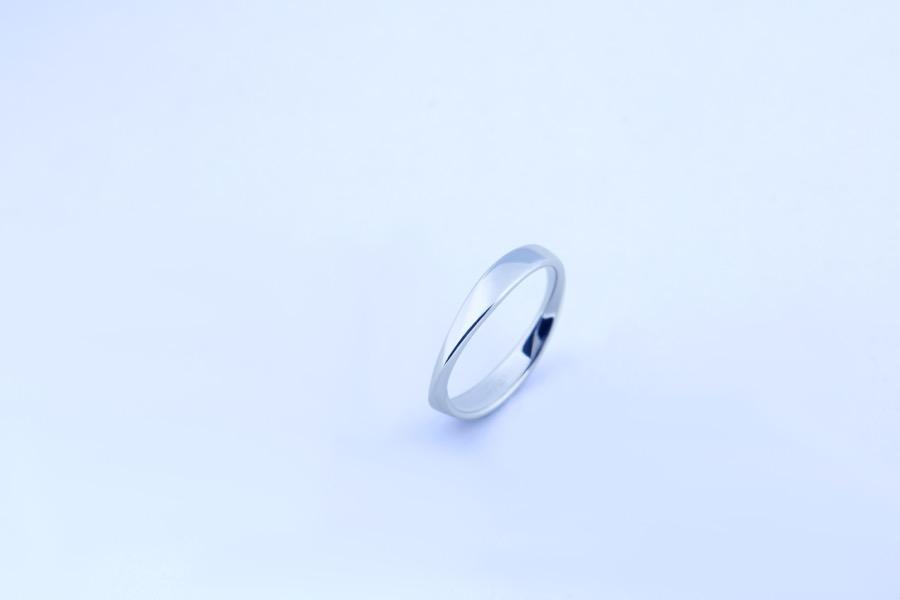 Mobius ring 220