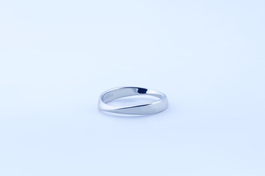Mobius ring 225