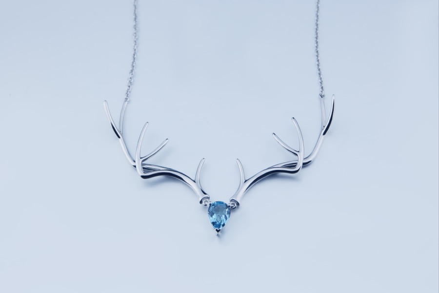 Deer Luna topaz 301