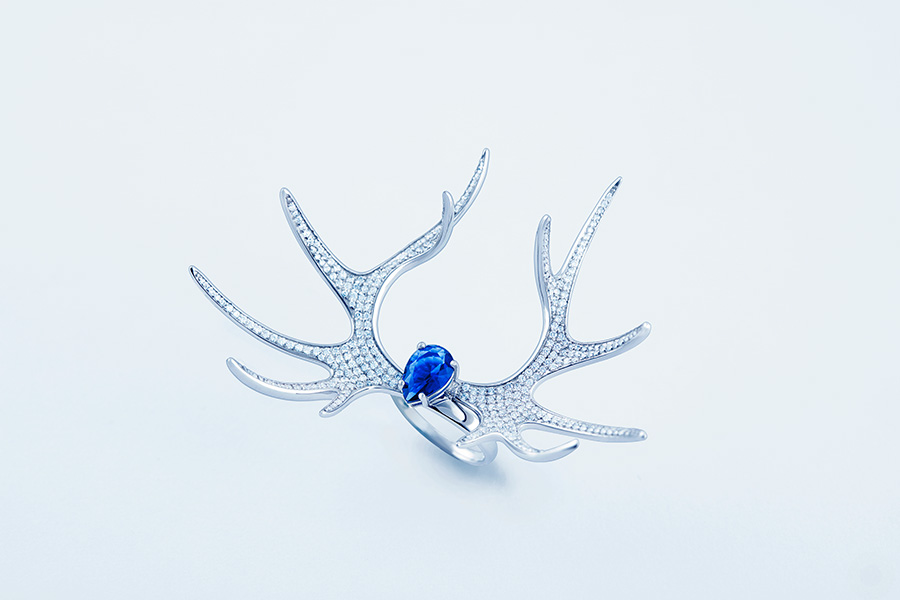 Deer-Luna-blue-ring