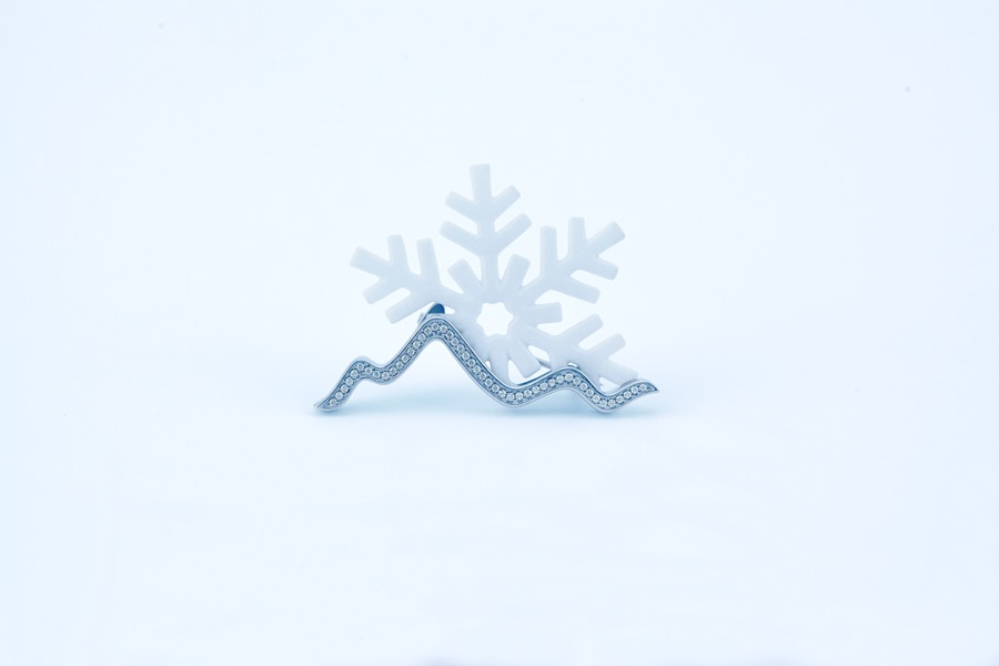 snow-mountain-brooch-nylon-1