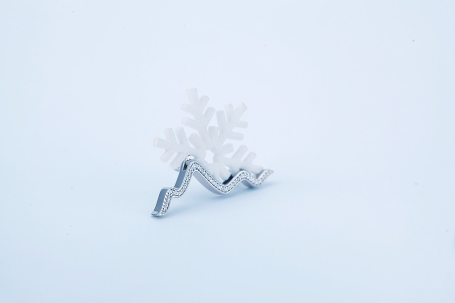 snow-mountain-brooch-nylon-2