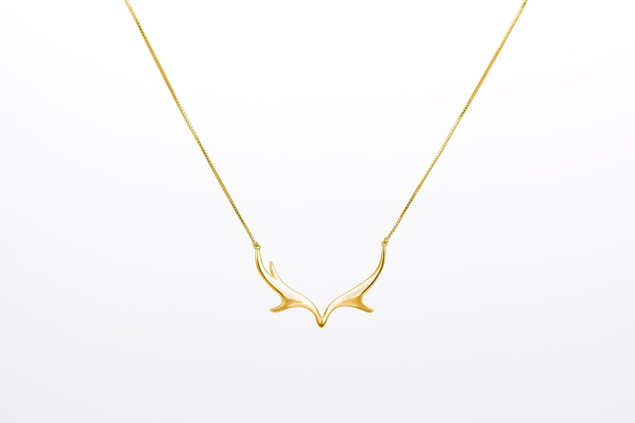 Deer Luna elk necklace 1