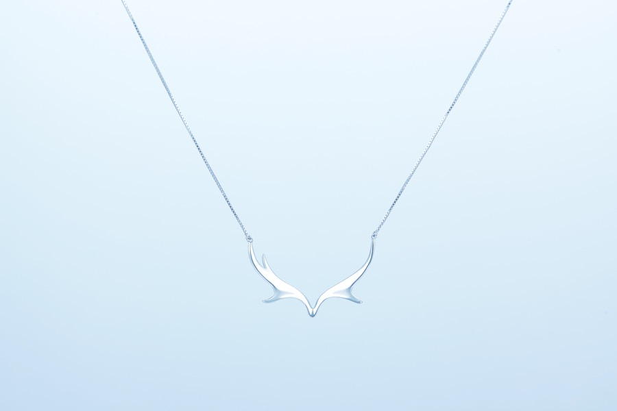 Deer Luna elk necklace 2