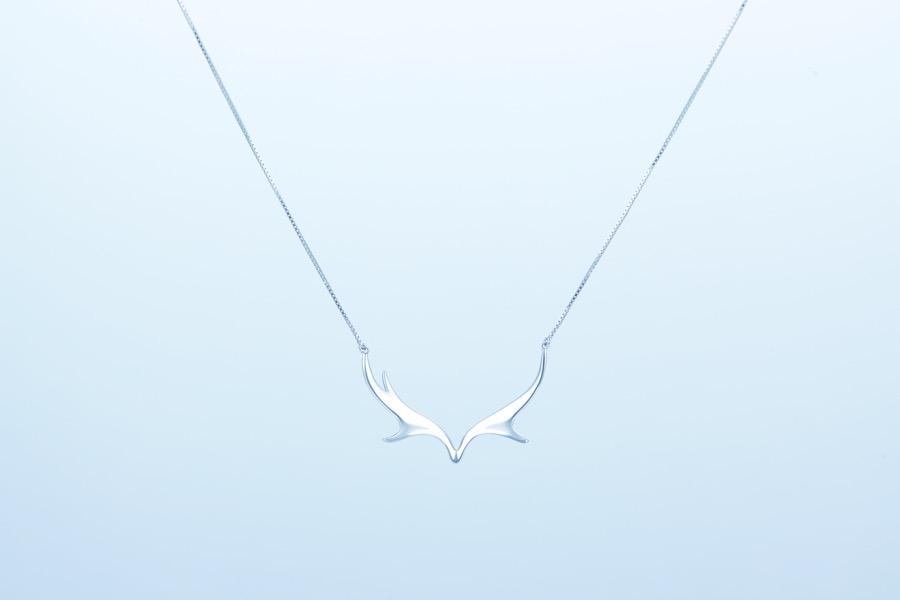 Deer Luna elk necklace 2